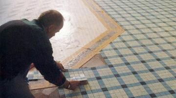Наклейка мозайки на пол
