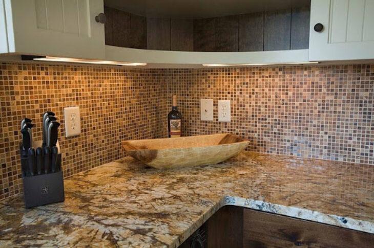Облицовка стен широкоформатной плиткой, мозаикой, художественная укладка